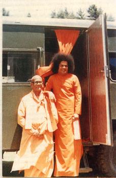 Karunyananda and Sathya Sai Baba