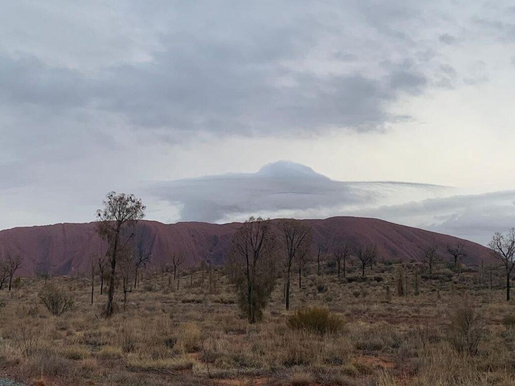 Cloudship at uluru